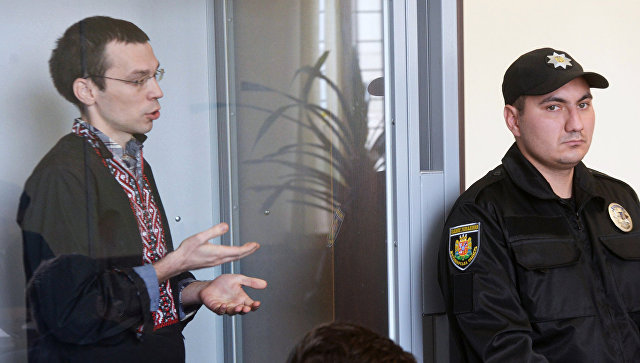 Журналист Василий Муравицкий в Королёвском районном суде в Житомире. Архивное фото