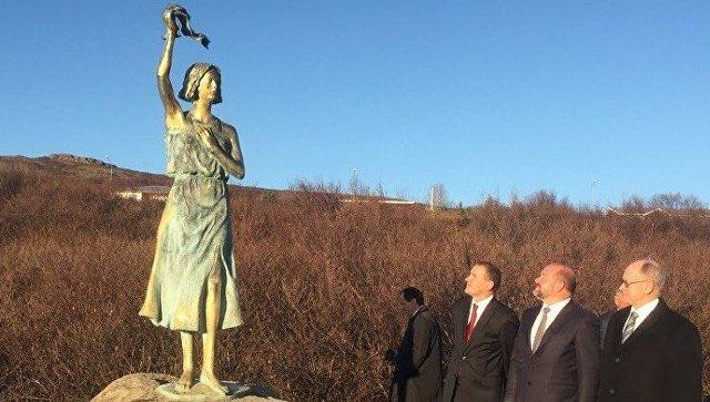 Глава Поморья принял участие в открытии памятника морякам Северных конвоев