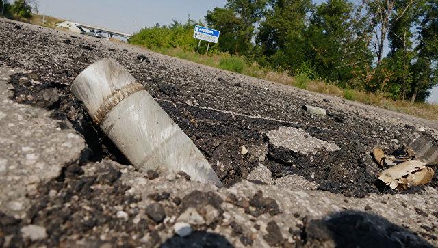 Украинские силовики выпустили по пригороду Донецка около 40 мин