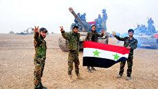 Военнослужащие сирийской армии в Дейр-эз-Зоре, Сирия. 12 ноября 2017
