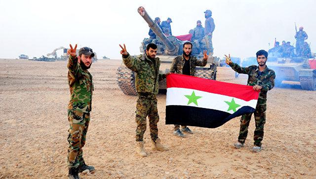 Военнослужащие сирийской армии в Дейр-эз-Зоре, Сирия. Архивное фото