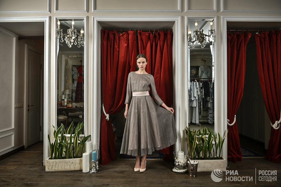 Платье из коллекции Оренбург осень-зима 2013/2014 A LA RUSSE Anastasia Romantsova, созданное из оренбургского платка.