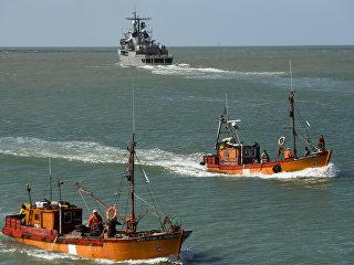 Эсминец ВМС Аргентины Sarandi принимает участие участие в поиске пропавшей подводной лодки Сан-Хуан. 21 ноября 2017