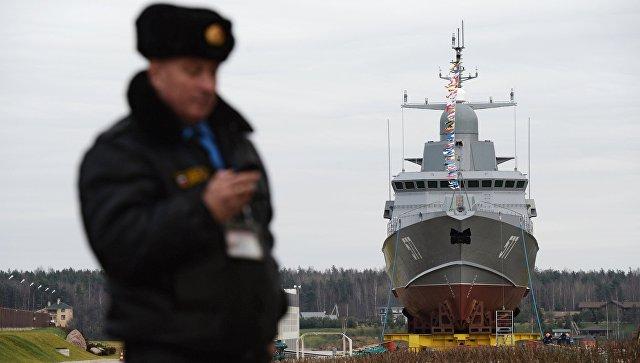 Малый ракетный корабль Тайфун проекта 22800 перед началом спуска на воду на Ленинградском судостроительном заводе Пелла. 24 ноября 2017