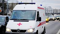 Автомобиль скорой медицинской помощи на улице Москвы. Архивное фото