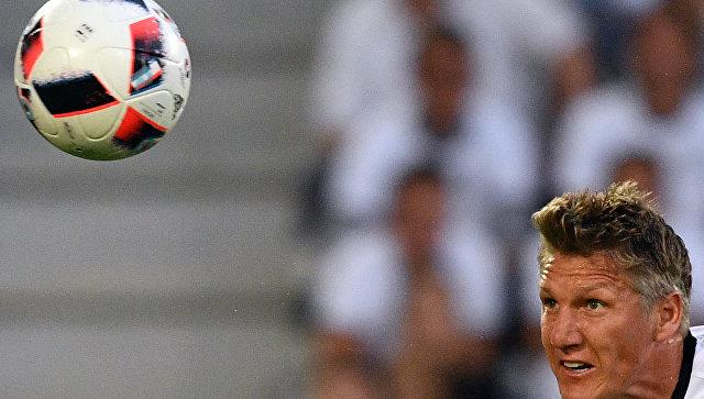 Игрок сборной Германии Бастиан Швайнштайгер