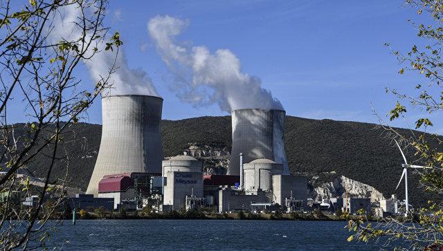 Атомная электростанция Крюа в департаменте Ардеш, Франция. Архивное фото