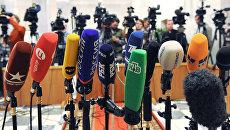 Журналисты перед началом пленарного заседания Государственной Думы РФ