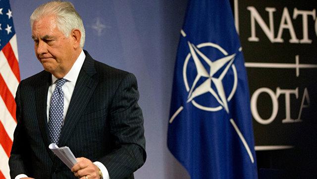 Госсекретарь США Рекс Тиллерсон во время пресс-конференции в Брюсселе