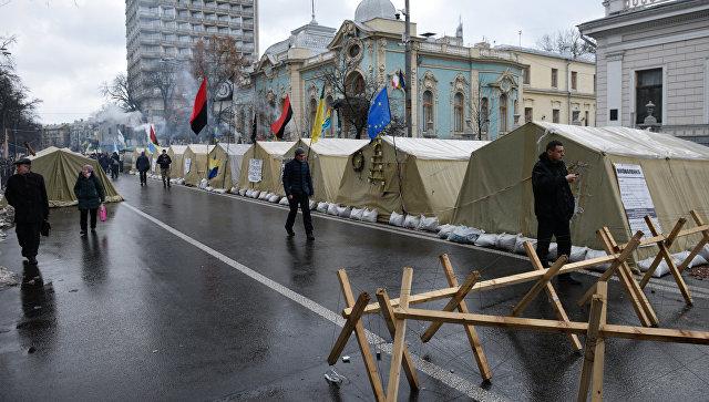 ВКиеве сторонники Тимошенко устроили митинг около Рады