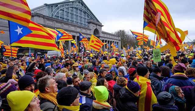 Пучдемон и Мас участвуют в массовой манифестации в Брюсселе