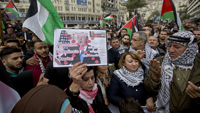 Акция протеста против решения Дональда Трампа признать Иерусалим столицей Израиля в Наблусе на Западном берегу реки Иордан.  7 декабря 2017