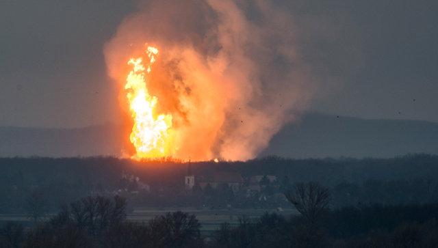 Пожар на месте взрыва газа в Баумгартене, Австрия. 12 декабря 2017