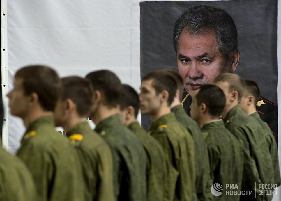 Военнослужащие на территории музея РВСН на базе Учебного центра РВСН в Балабаново Калужской области
