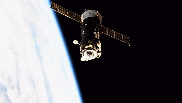 Космический корабль Союз МС-05 с тремя членами экипажа Экспедиция-53 отстыковался от МКС. 14 декабря 2017