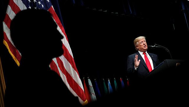 Трамп сравнил с мусором иммигрантов, прибывших благодаря визовой лотерее