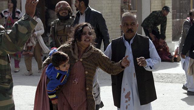 Пострадавшие при нападении на церковь в городе Кветта, Пакистан. 17 декабря 2017