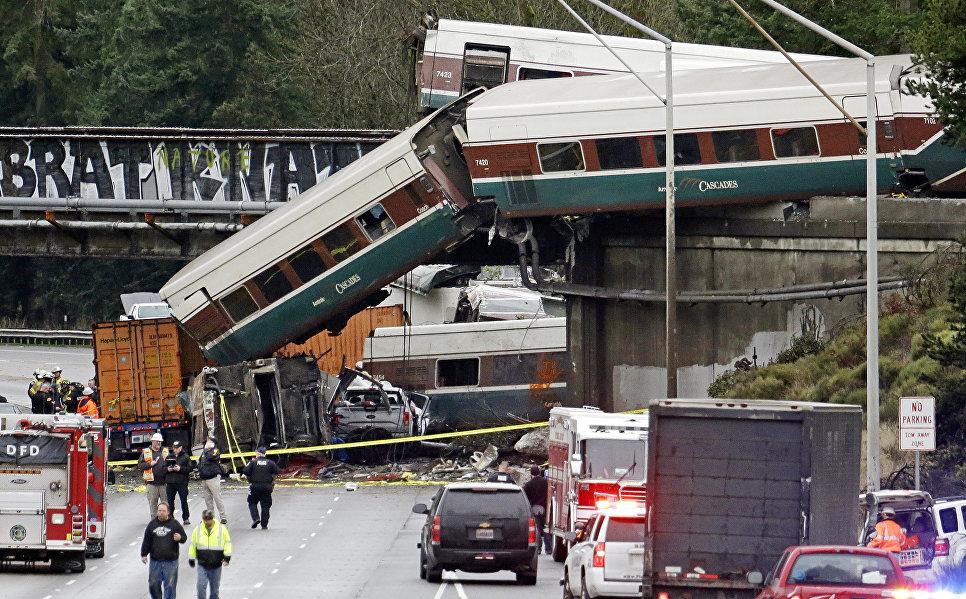 В итоге крушения поезда вСША погибли шесть человек