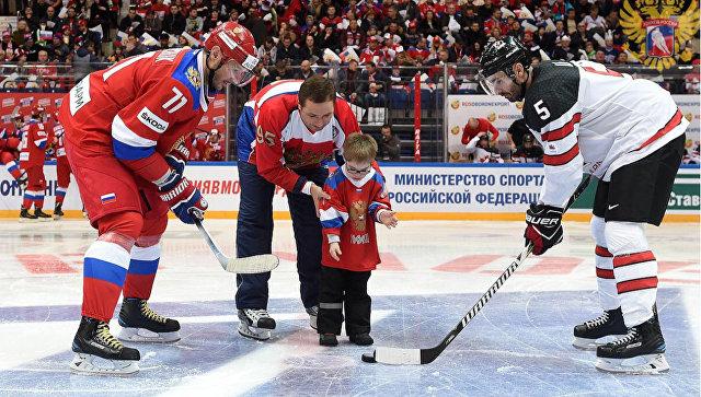 Солнечный мальчик Вася и звезды хоккея открыли матч Россия – Канада