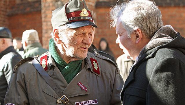 1511444903 В Латвии раскритиковали закон, уравнивающий ветеранов СС и Красной Армии