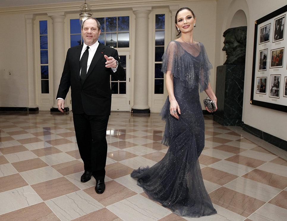 Американский продюсер Харви Вайнштейн с женой Джорджиной Чапман