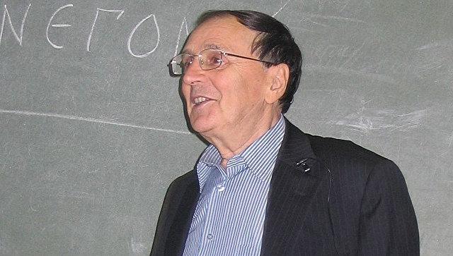Академик РАН Андрей Зализняк