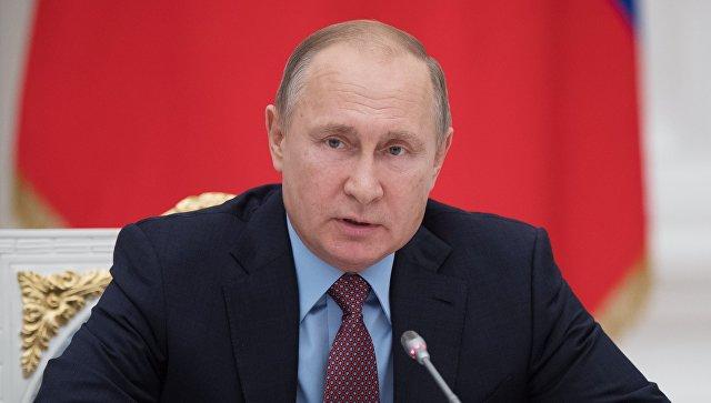 Путин поручил утвердить план по локализации оборудования для СПГ-заводов