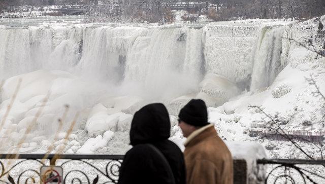 Рекордный холод: вСША частично замерз Ниагарский водопад