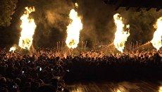 Японцы 13-метровыми факелами изгоняли демонов во время новогоднего ритуала