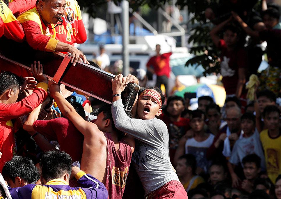 Ежегодный крестный ход в Маниле, Филиппины. 9 января 2018 год