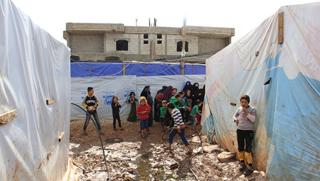 Сирийские дети в лагере беженцев на севере Ливана. Архивное фото