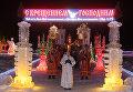Верующие во время службы в Крещенский сочельник на Раифском озере неподалеку от Раифского Богородицкого мужского монастыря в Зеленодольском районе республики Татарстан