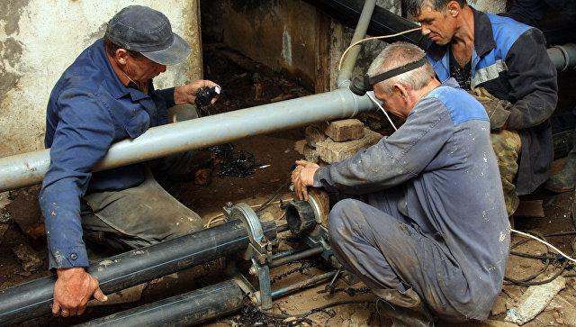 Граждане Михайловска из-за прорыва трубы остались без воды