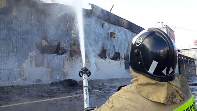 На северо-западе Москвы загорелся склад