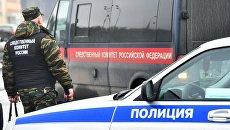 Сотрудник следственного комитета России на месте обрушения тоннеля на Калужском шоссе