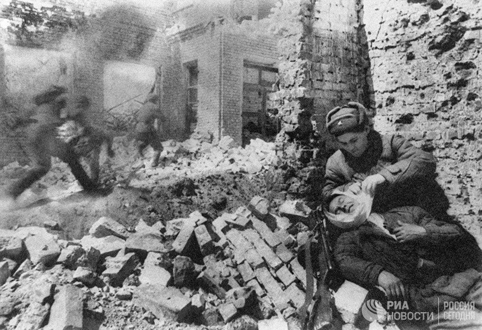 Володин призвал окружить ветеранов заботой впамять оСталинградской борьбе