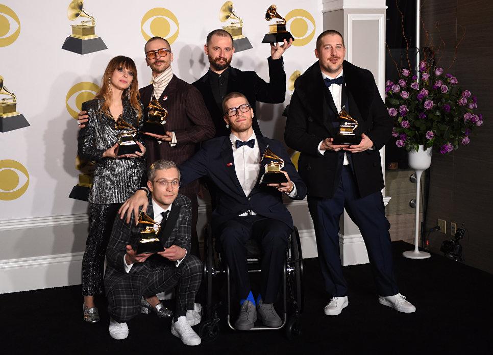 Группа Portugal. The Man с наградой Грэмми в номинации Лучшее поп-исполнение дуэтом/группой