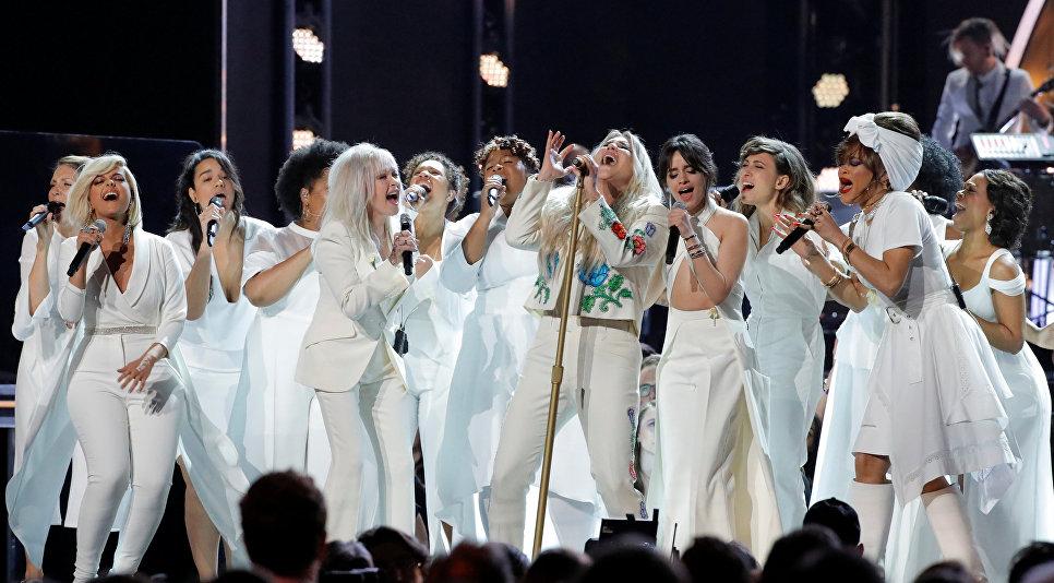 Американская певица Кеша во время выступления на 60-й церемонии Грэмми. 28 января 2018 год