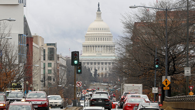 Вид на здание Капитолия в Вашингтоне  Архивное фото