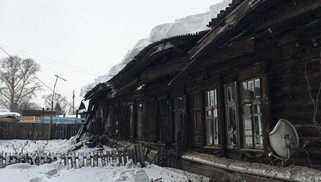 На месте обрушения крыши жилого дома в городе Канске Красноярского края