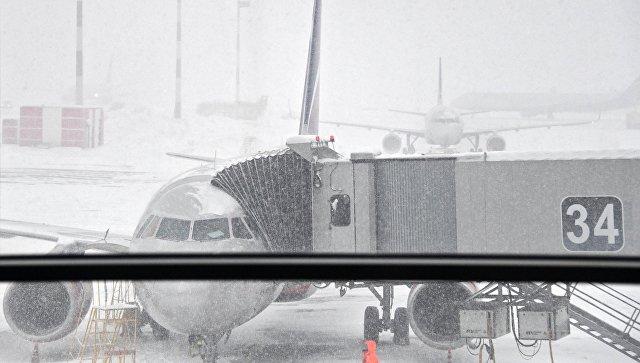 Самолеты в аэропорту Шереметьево. 4 февраля 2018