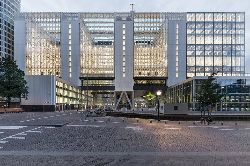 Реконструированное правительственное здание в Гааге, Нидерланды