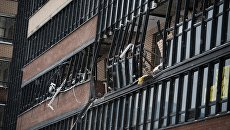Балкон дома жилого многоэтажного дома на улице Репищева, дом 10 в Санкт-Петербурге, пострадавшего в результате взрыва газового баллона. 9 февраля 2018