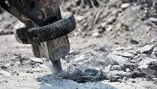 Отбойный молоток на строительстве эстакады на Щёлковском шоссе