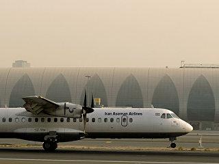 Самолет ATR-72 , принадлежащий Иранской авиакомпании Aseman Airlines