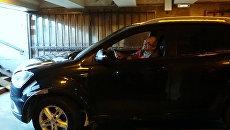 Пенсионер на джипе заехал в подземный переход Петербурга