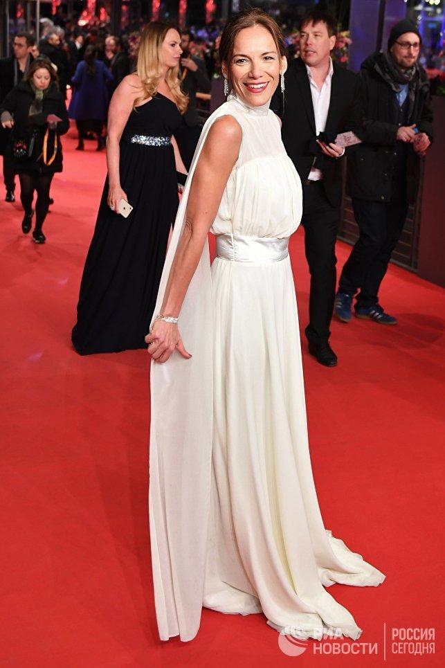 Актриса Ана Иванова на красной дорожке церемонии закрытия 68-го Берлинского международного кинофестиваля Берлинале - 2018