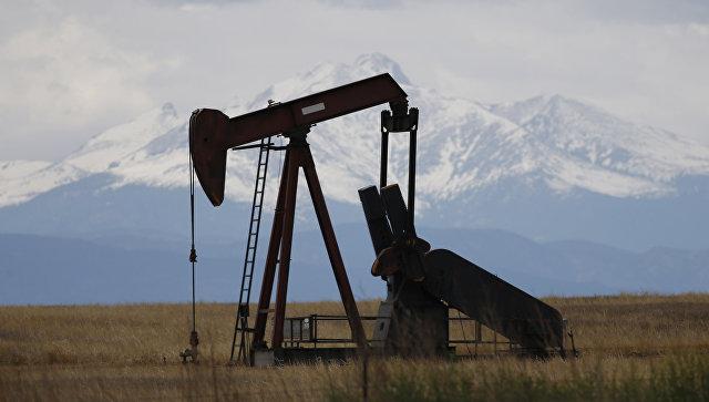 Нефть ускорила снижение на опасениях новых пошлин США на импорт из Китая