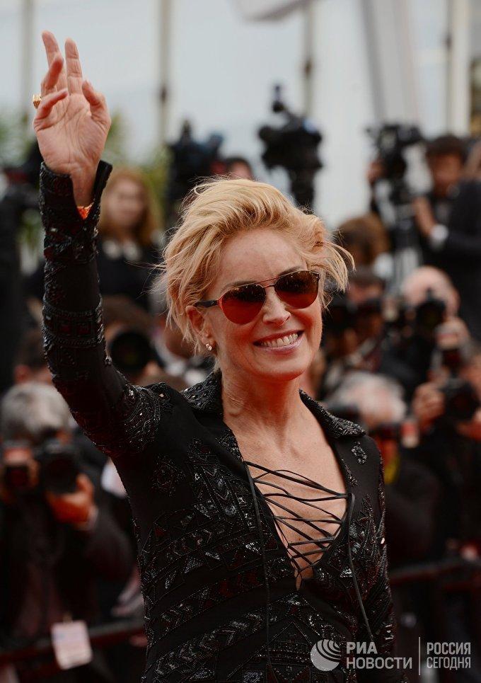 Актриса Шэрон Стоун на красной дорожке во время премьеры фильма Поиск в рамках 67-го Каннского кинофестиваля