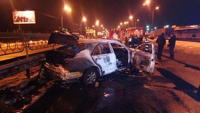 В Киеве у метро взорвались две гранаты